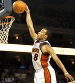 Doppia doppia da 33+10 assist per Ellis nella rocambolesca vittoria contro i Suns